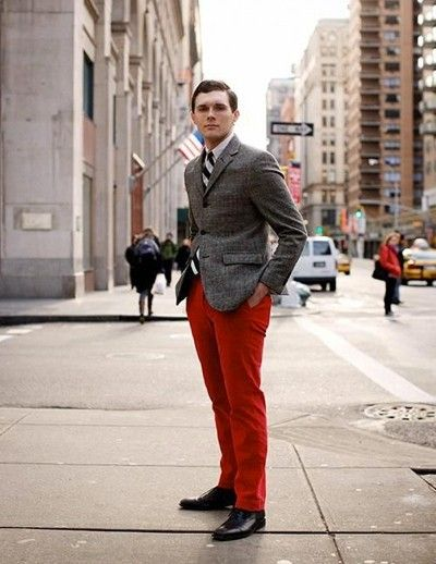 Red pants can add a color splash and a colorful twist to your wardrobe. They're unexpected, yet red pants continue to trend in men's fashion. #redpants #mensfashion