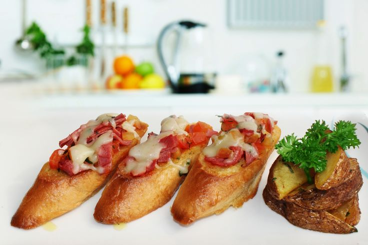 Smoked beef & tomato bruschetta  Seize the opportunity to savor the bounty of the smoked beef with tomato bruschetta. Must try it now! Perfect  smoked beef in rich crunchy flavors. Absolutely mouthwatering!