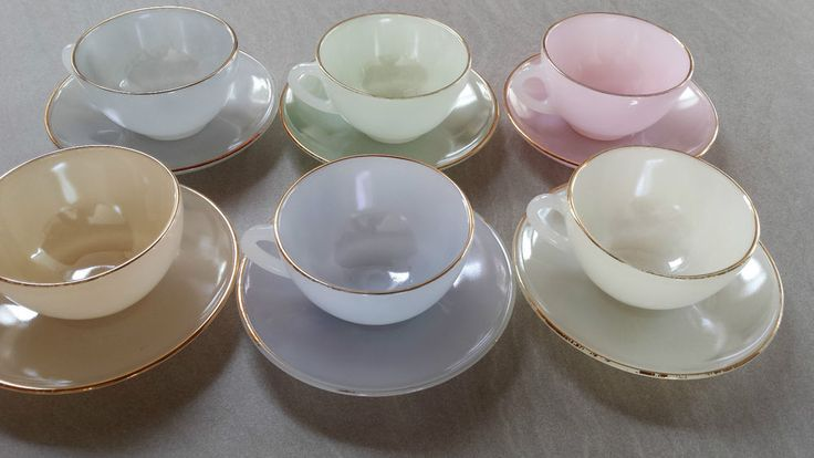FRENCH VINTAGE ARCOPAL 6 CUPS & SAUCERS ART GLASWORK AND PYREX