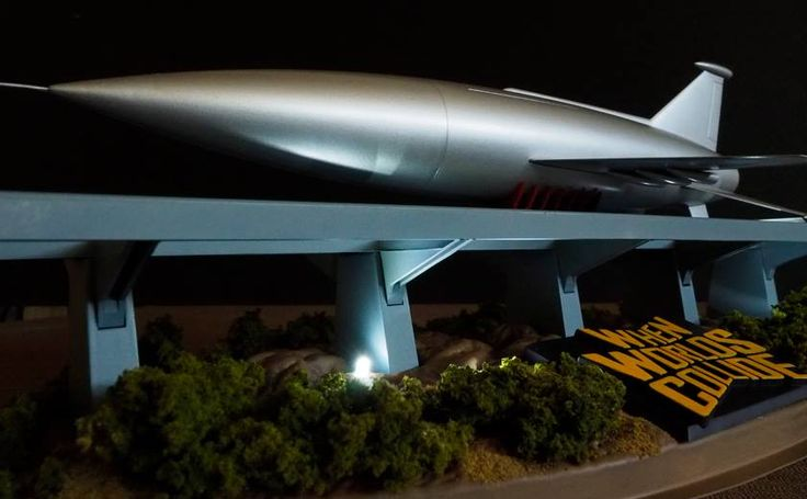 """1/350th Scale - Space Ark from SiFi Movie """"When Worlds Collide"""" - (Pegasus Hobbies Kit)"""