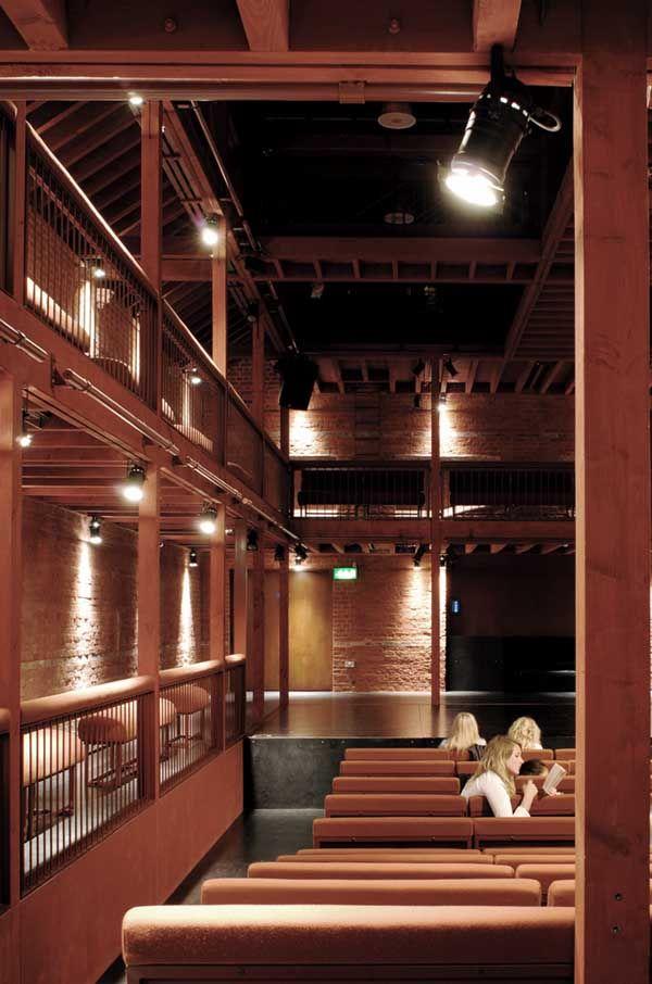 nowoczesna-STODOLA-The-North-Wall-Haworth-Tompkins-Architects-12