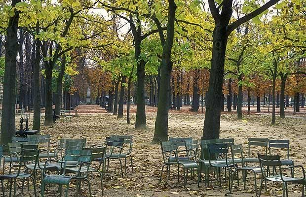 Jardin du LuxembourgChairs Workers, Luxembourg Parks, Favorite Places, Luxembourg Gardens, Beautiful Parks, Luxembourg Gardens, Gardens Paris, Paris New, Luxembourgh Gardens