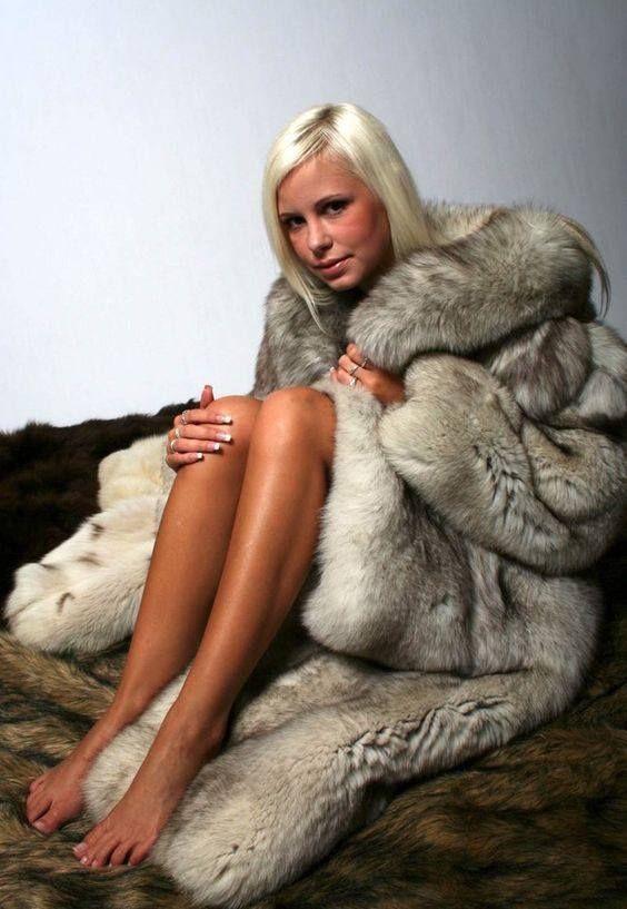 Seductive girl in fur 9