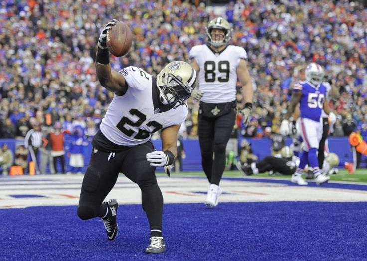 Mark Ingram scored a career-best three touchdowns and the New Orleans Saints won their seventh straight game by plowing through a porous Buffalo Bills defense in a 47-10 rout on Sunday.