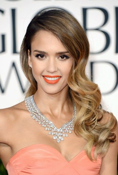 Jessica Alba Long Wavy Vintage Curls Hollywood Red Carpet Hairstyles