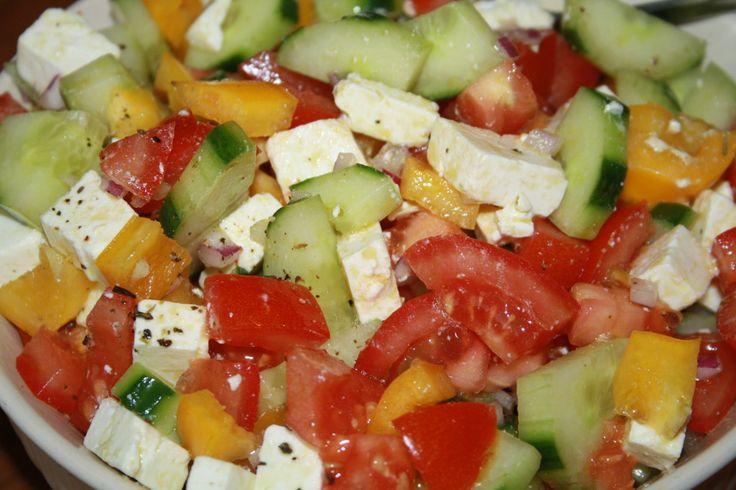 Ik zet mijn recepten online om met jullie te delen maar mijn blog is ondertussen ook een plek geworden waar ik veel favoriete recepten heb staan. Een eigen online kookboek, super handig! Zo hadden wegisteren een barbequeter ere van de verjaardag van mijn zwager. Ik zou voor de salade zorgen, had de ingrediënten gekocht enwilde …