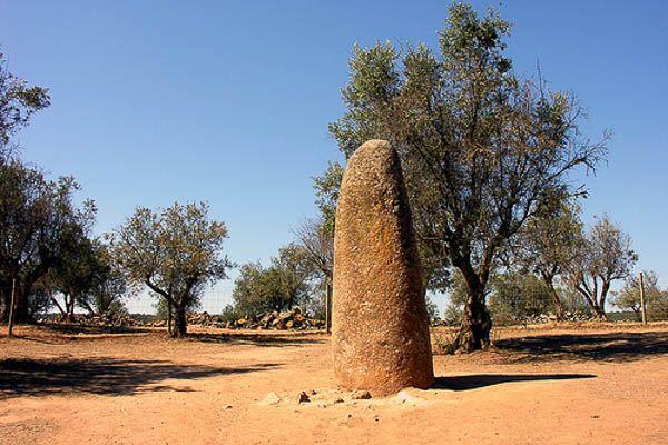 Menir dos Almendres Megalitica Evora