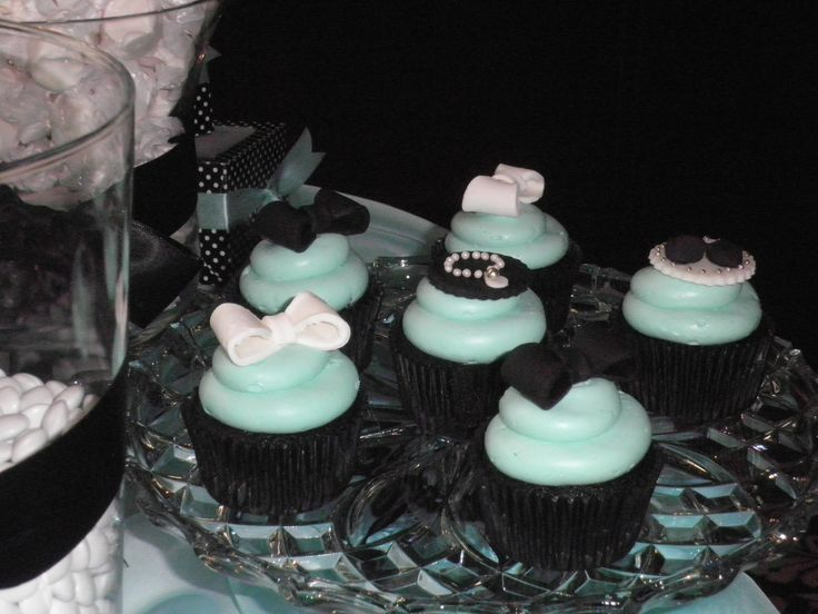 """Just """"Dahling"""" cupcakes! Breakfast at Tiffany's theme."""