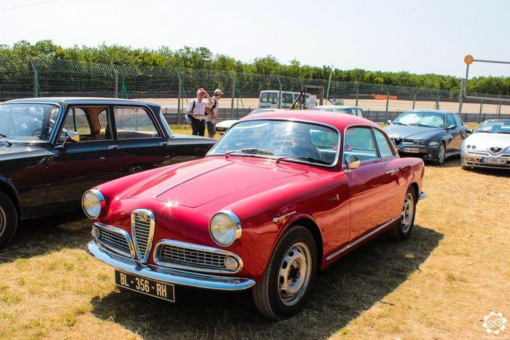 #Alfa_Romeo #Giulietta #Sprint dans l'espace club de #Dijon_Prenois au #GPAO Article original : http://newsdanciennes.com/2015/06/07/news-danciennes-au-grand-prix-de-lage-dor/ #Racecar #VintageCar #ClassicCar