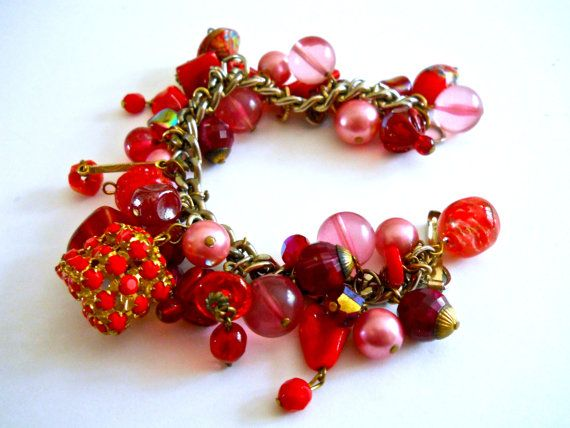 Red & Pink Charm Bracelet Venetian Glass Pearls by RenaissanceFair #ecochic #vintagejewelry #etsygiftideas