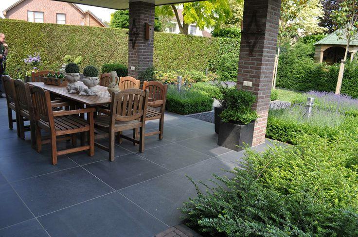 Keramische tegels tegels terras buiten genieten in de tuin pinterest - Dek een terras met tegels ...