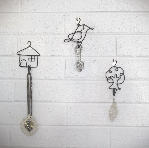 248 best wire art images on pinterest wire sculptures for Coat hanger art projects