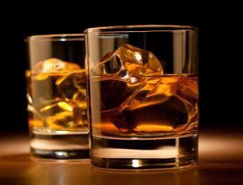 www.presentjakt.se: On the rocks, straight up eller som ingrediens i en drink. På en whiskyprovning får du inblick i whiskyns intressanta historia.