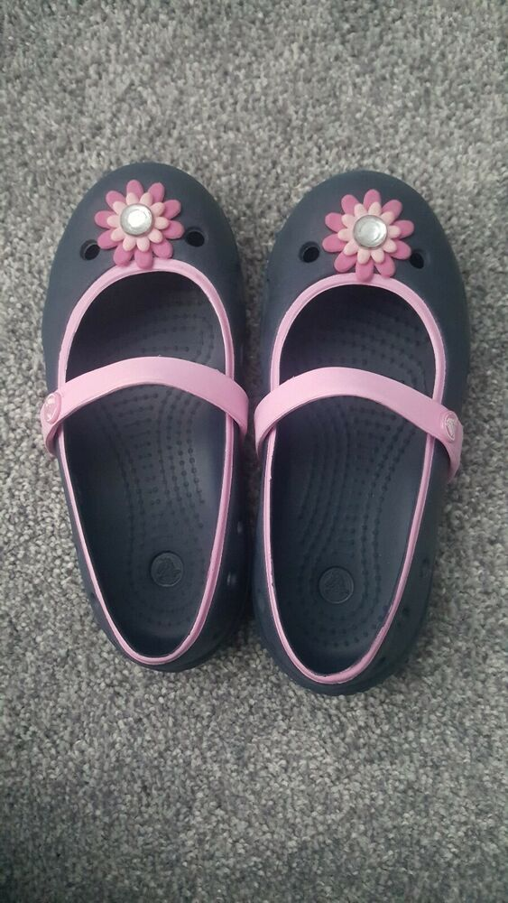 6d867f1a2b86f Girls Crocs Mary Janes Keeley Flower flats. Size 10. Navy blue and pink.   fashion  clothing  shoes  accessories  kidsclothingshoesaccs  girlsshoes ( ebay ...