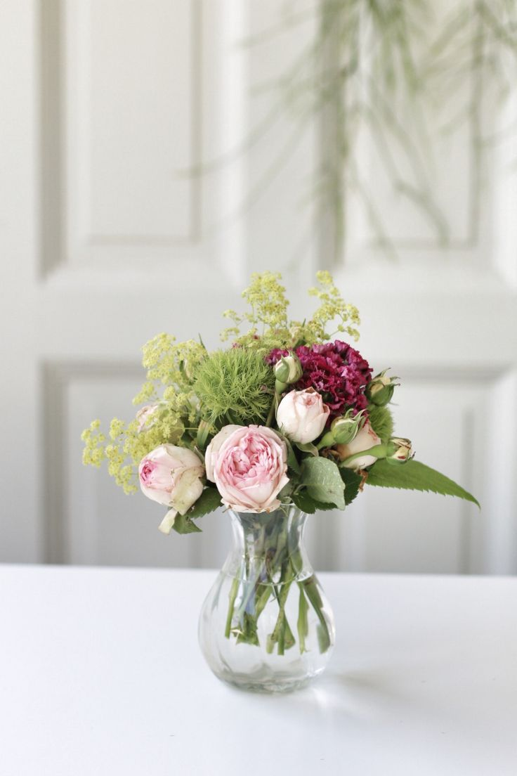 Floralitäten | Sommerstrauß mit Pfingstrosen und Frauenmantel