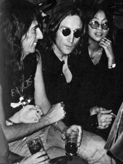 sixtiescoffeelady:  John Lennon with Alice Cooper and May Pang