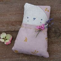 Little Cat - pillow filled with buckwheat and lavender buds.