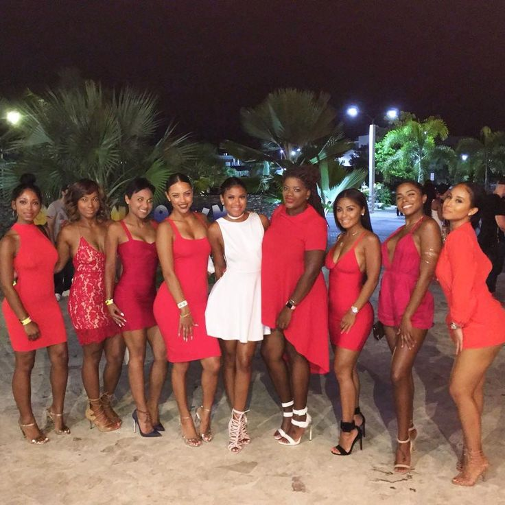 This past weekend, Kevin Hart's fiancee Eniko flew all her GFs via private jet to Miami – for her bachelorette party weekend. The ladies enjoyed sun and fun at the beach, and hit the clubs every night. We wish we could tell you any SCANDALOUS THINGS that happened over the weekend, but there's really nothing …