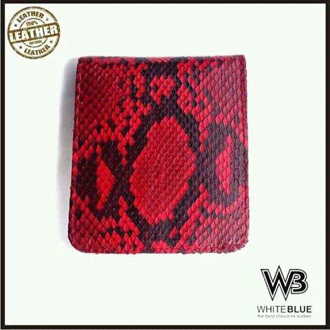 Leather phyton wallet  Www.jualtaskulit.com +6285642717764  #wallet #leathercraft #leatherwork #leatherwallet #menwallet #menfashion #snakeleather #snakewallet #dompetular #dompetkulit #dompetpria #dompet