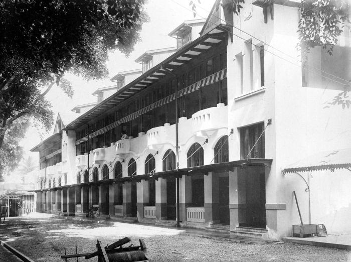COLLECTIE TROPENMUSEUM Nieuw paviljoen van Hotel des Indes Batavia TMnr…