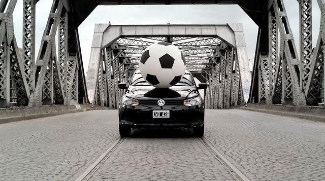 Volkswagen Gol Trend - Urban Soccer by Guille Cárdenas