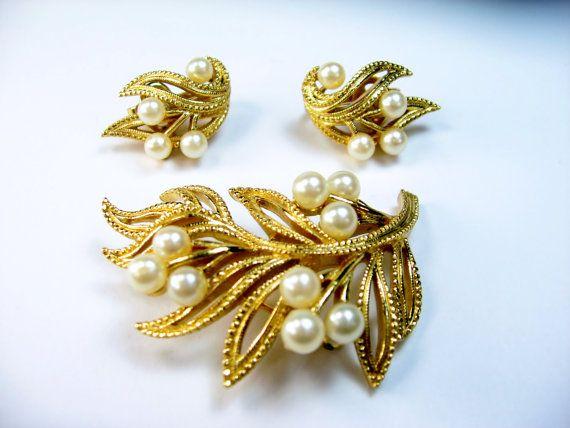 Vintage Trifari Jewels Faux Pearl Brooch By
