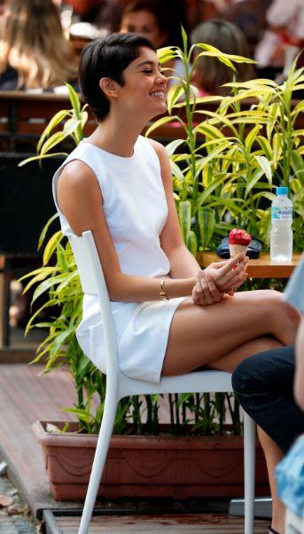 Sophie Charlotte com a sua pulseira: a nova sensação entre as meninas (Foto: Divulgação)