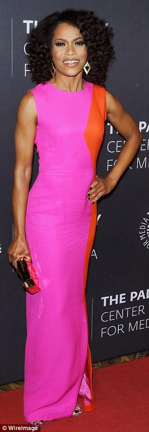 They sure know how to make an entrance! Kelly McCreary dazzled in hot pink, while Gladys K...