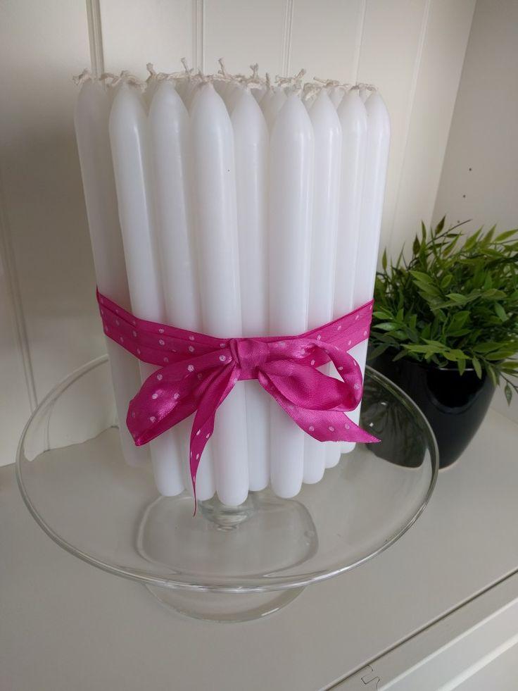 Een kaarsentaaart voor mijn moeders 65ste verjaardag! Natuurlijk met 65 kaarsen die ze kon uitblazen. (Je moet wel snel zijn want het wordt een soort fakkel als je het aanmaakt, beetje gevaarlijk)