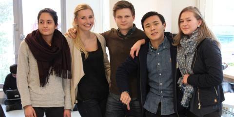 """Ungdomsredaksjonen til DittOslo har tatt turen rundt om i Oslo for å høre hva de ulike skolene mener om hverandre – og seg selv.  Ryktet sier at på Lambertseter er """"alle"""" smarte: Fra Lambertseter uttaler Benedicte, Rana og Jimmy seg (Jimmy hevder hardnakket at han er feilsitert!)  Hva mener du?"""