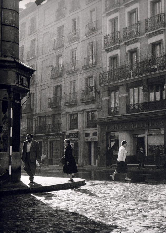 Madrid, Calle Mayor, Mayo de 1955.  Cas Oorthuys. Museo de la Fotografía de los Países Bajos. (Nederlands Fotomuseum) Rótterdam