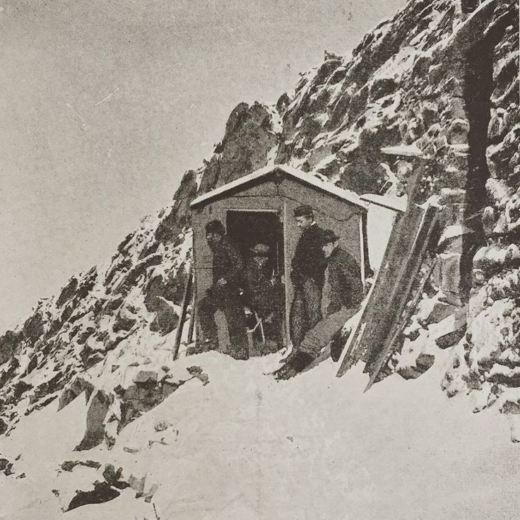 #picoftheday - Gnifetti Hut in late 19th Century #books #mountains #mountainbooks #gressoney #monterosa #valledaosta #gressoneystjean #alpinismo #gnifetti #bookstagram #alps #climbing #mountaineering #rifugi #montagne #neve #snowdays http://ift.tt/1LAhb62