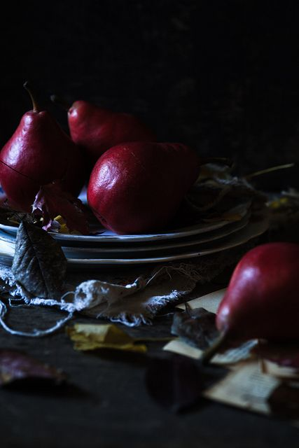 Red Pears 3 by cajas666 (Flickr)