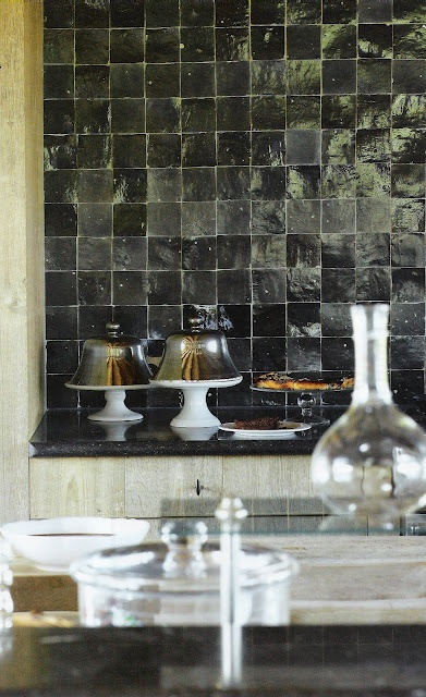 black zillij tile, what a GREAT way to have black, reflective and textural gives variations of the black and gradient grays. MRK