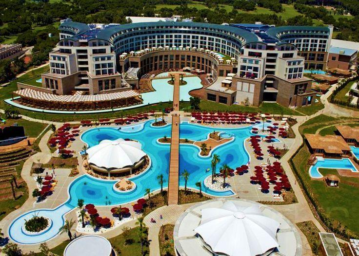 Kaya Palazzo Golf Resort  Akdeniz kıyılarının gözde tatil beldesi Belek'te, lüksü ve konforu birleştiren tesis, üst düzey hizmet anlayışıyla şık bir tatil vadediyor. #etstur #KeskeTatilOlsa #tatil #holiday #travel #turkiye