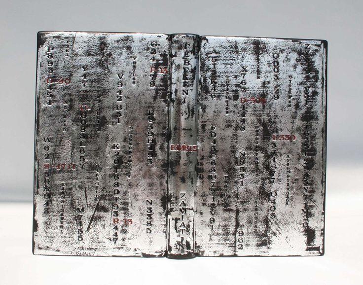 Dimitri's Bookbinding Corner - Yevgeny Zamiatin's We #binding #βιβλιοδεσία #design #leather #handmade #bound #bookbinding #χειροποίητο #δερματόδετο #leatherbound #Zamiatin