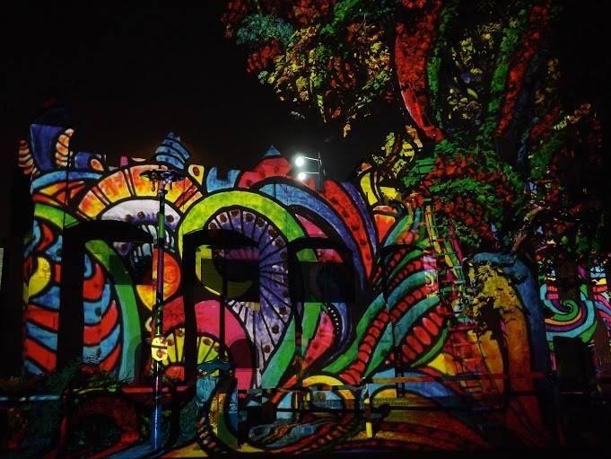 Fényfestés - Fák, bokrok - fényfürdő Szellem party - Night Projection fényfestés  #Halloween #HolNemVolt #HolNemVoltPark #NightProjection #fényfestés #raypainting #visuals
