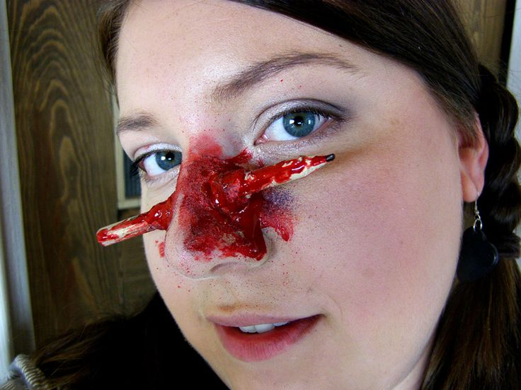 SFX Halloween Make-up: Pencil in nose