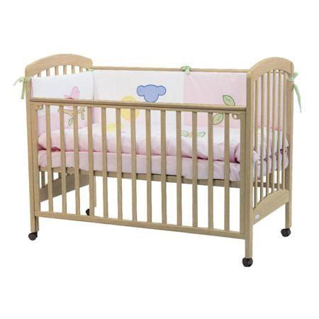 Кроватка Fiorellino Dalmatina natur  — 11750р. ----------------- - удобная и современная детская кроватка;  - материал: натуральный бук;  - бортик можно опустить или полностью снять - кровать превращается в диванчик;  - ложе регулируется по высоте: 3 позиции;  - колёсики со стопором позволяют легко перемещать кроватку по комнате и фиксировать в выбранном месте;  - нетоксичные лаки и краски.  Ночник-проектор звездного неба Summer Infant божья коровка