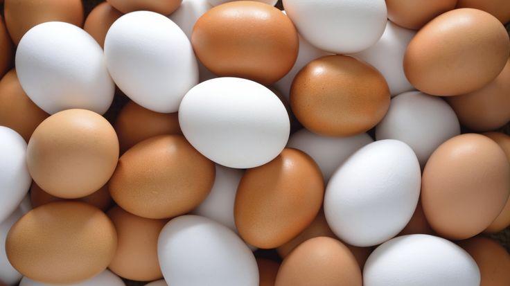 Ouăle conţin calciu uşor de asimilat, grăsimi sănătoase şi proteine. Numeroase studii au arătat că acestea previn anumite boli. Iată ce criterii trebuie să urmezi pentru a alege cele mai bune şi sănătoase ouă.