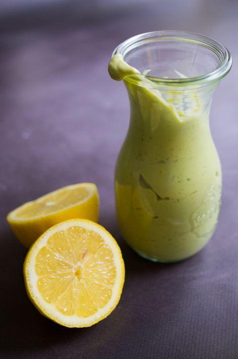 Vinaigrette crémeuse à l'avocat et citron, recette sur la Godiche www.lagodiche.fr