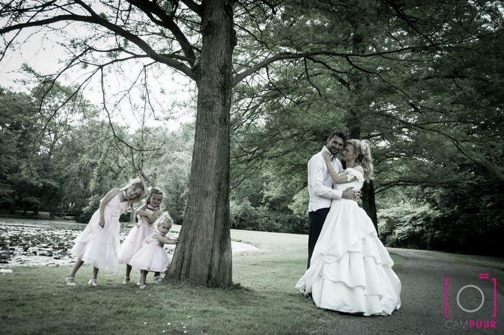 Leuke pose voor een #trouwfoto met #bruidsmeisjes