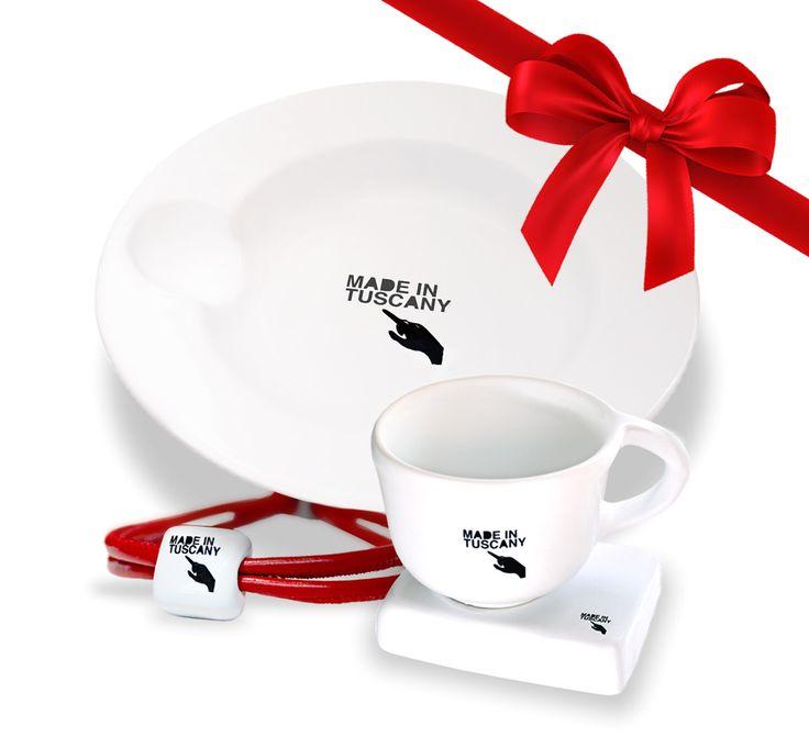 Acquista online lo speciale Christmas Box by Made in Tuscany. 1 Tazzina + 1 Bracciale + 1 Piatto = 50€ Spedizione gratuita in tutta Italia http://www.madeintuscany.it/shop/shop-christmas-box.php