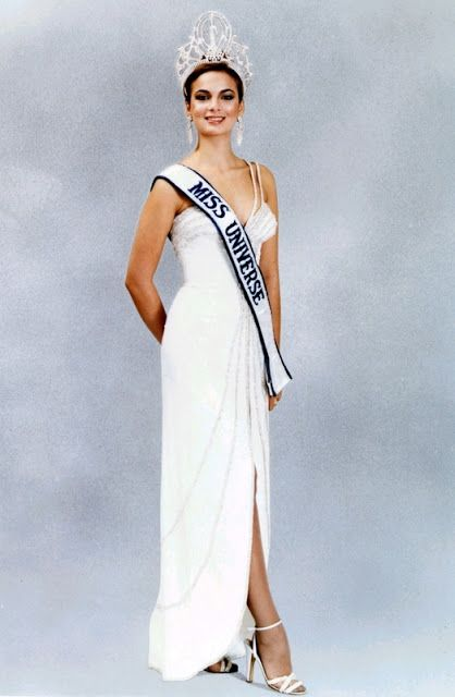 Venezuela: un Paraíso de Reinas: Maritza Sayalero: Miss Universo 1979