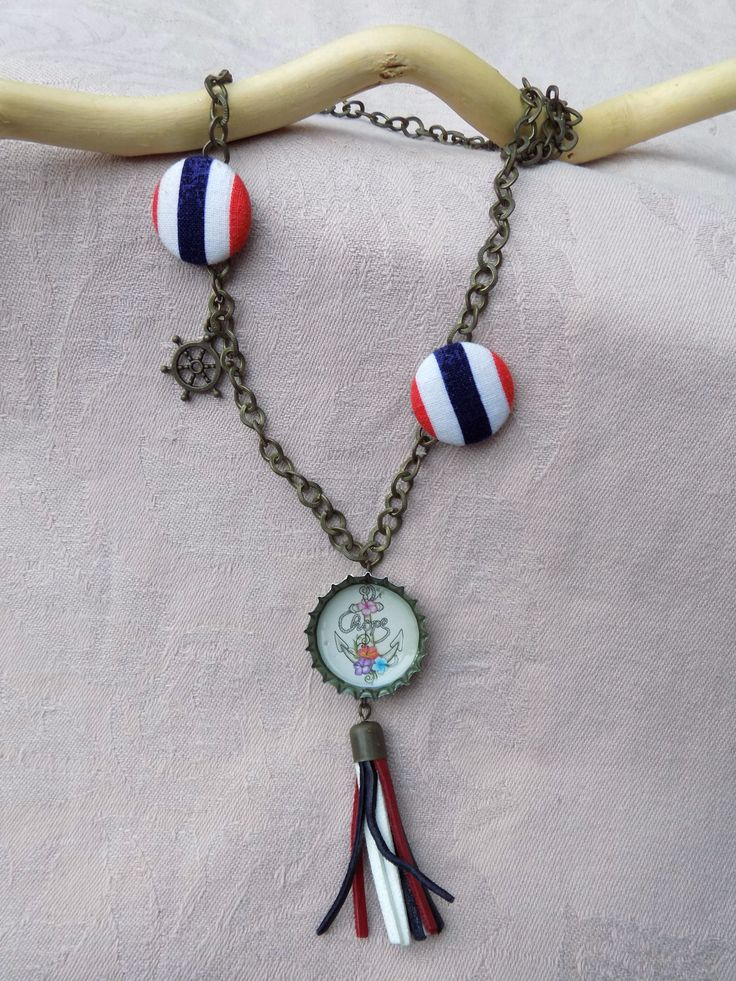 The sailor necklace