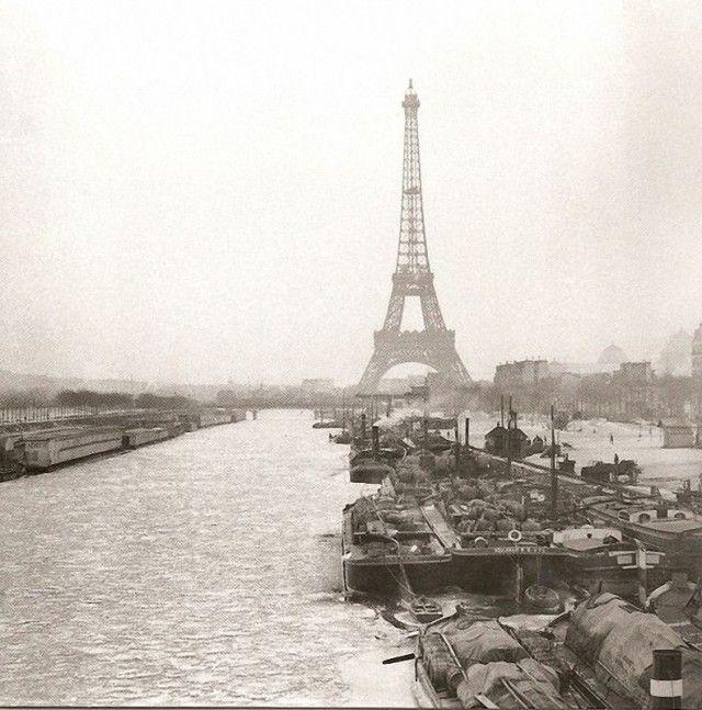 Paris 1893 - La Tour Eiffel et la Seine, gelée