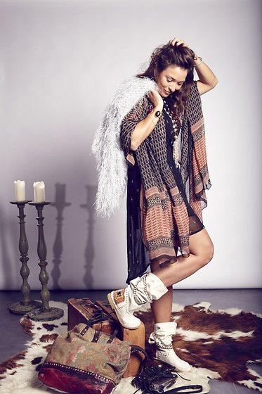 Kiro By Kim Cardigan, Karma Of Charme Boots, Campomaggi Bag, Zara Dress