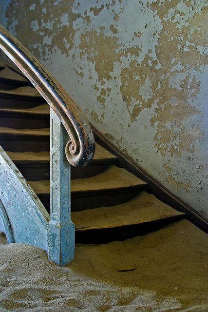 Kolmanskop........Handrail