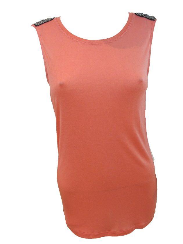 Camiseta Strass Camiseta sin mangas con detalle en los hombros de avalorios plateados. Corte largo. Disponible en dos colores.