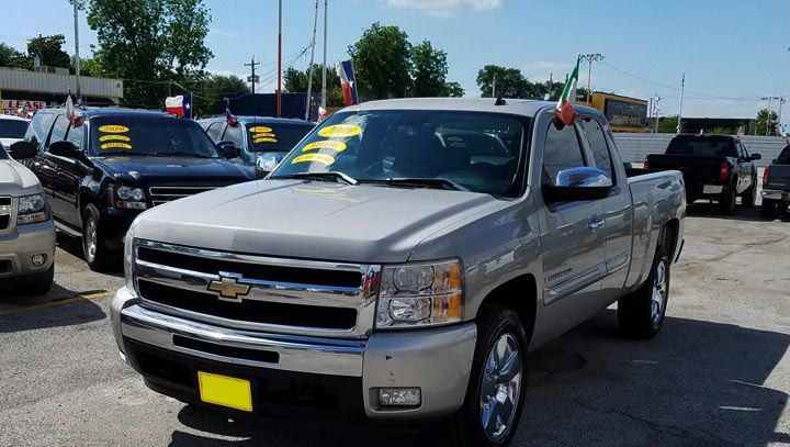 2009 CHEVY SILVERADO Financing at home. WITHOUT LICENSE, WITHOUT INSURANCE, WITHOUT CREDIT, WITHOUT CREDIT. WE HAVE A PROGRAM FOR EVERYONE. Title clean and CARFAX clean. Low couplings from $ 2500